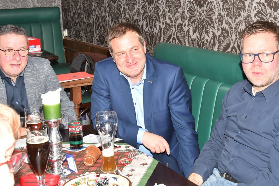 Michael, Guido u. Matthias beim Knobeln