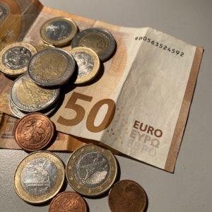 50 Euro mit Münzen